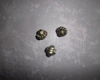 set of 03 silver metal beads