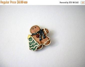 ON SALE Vintage Wooden Plastic Gingerbread Man Pin 91017