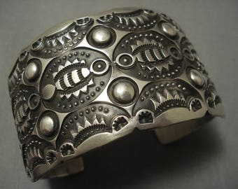 Eye Catching Vintage Navajo Sterling Silver Bracelet Cuff .925