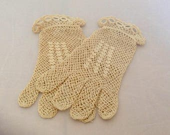 Vintage Lace Gloves  French Hand Crochet Ivory ( Ref no. A178 )