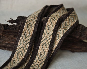 Tablet woven belt / Viking clothing / Plant dyed wool / Woven strap / Tablet woven trim / Medieval reenactment / Larp belt / Viking trim