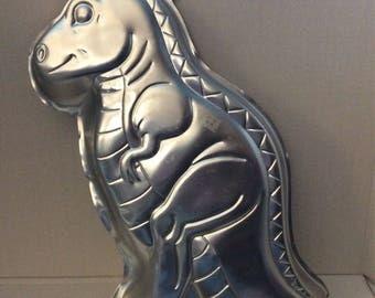 Vintage dinosaur cake pan (T-Rex)