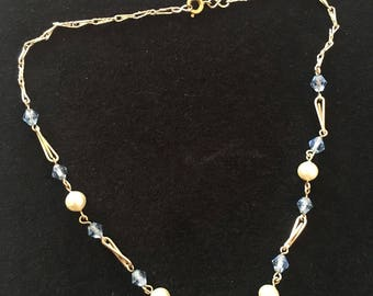 Blue and pearl dainty necklace. Vintage costume Jewellery