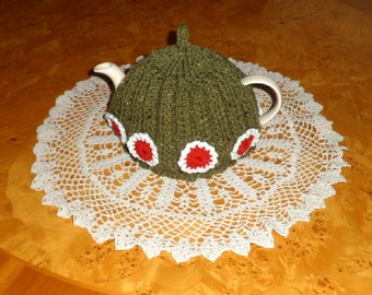 TEA COSY hand knitted in chunky yarn.