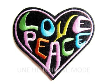 Patch, badge fusible Peace & Love to sew or iron 80 x 72 mm