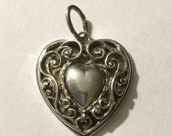 Vintage sterling silver fancy heart pendant 4.2 g