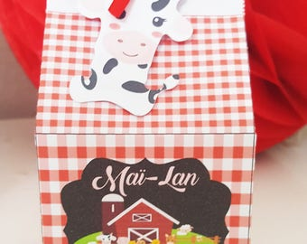 20 boxes with candy theme paper farm-personalized party table the child's name and age