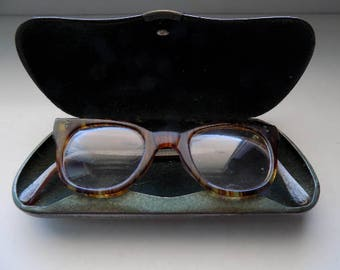 Vintage Yugoslavia Optical Glasses With Case/Vintage Glasses/Vintage Yugoslavia/Vintage Case