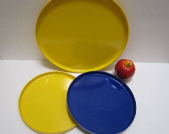 Heller Tray 2 Stackable Dinner Plates Plastic Vintage Melamine Dinnerware Massimo Vignelli Italy Design Retro