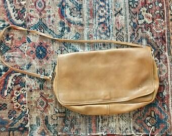 Vintage minimalist leather bag / tan brown leather shoulder bag / boho leather handbag purse
