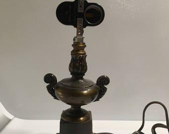 Vtg two bulb lamp