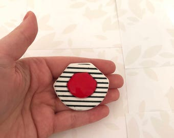 80s Brooch - 80s - 1980s Brooch - 80s Style - White and Black Stripped - Red - Retro Brooch - Plastic Brooch - Vintage Pins and Brooches