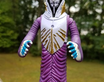 Vintage Bandai 1996 BeetleBorgs Magnavores with cape, double karate chopping VEXOR action figure