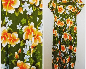 Beautiful Vintage Ui-Maikai Maxi Hawaiian Dress Volup