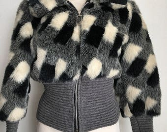 Gorgeous Short Vintage Gray Faux Fur & Wool Coat Women's Size Small.