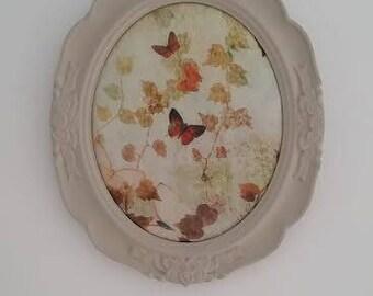 beige Butterfly oval frame