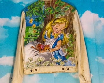 Yellow jean jacket washed Alice motif hand-painted K4U-Créations