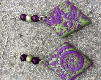 New: Stud Earrings polymer clay Fuchsia & Green