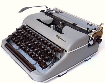 REDUCED - Olympia SM3 Manual Portable Typewriter