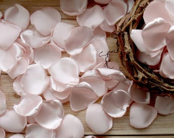 Petals powdery color,silk petals, petals of satin,pastel petals,handmade petals,Petals pale pink,petals burlap,lace petals,wedding village