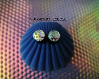 Pair of plugs 8mm iridescent crop circles
