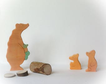 Bear mother & cubs. Wooden play set.