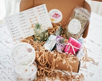 Fertility gift set, trying to conceive gift box, Wedding gift, brides gift, fertility tea, massage oil, essential oils, couples gift