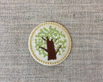 Round Floral Badge Iron On Tree Patch