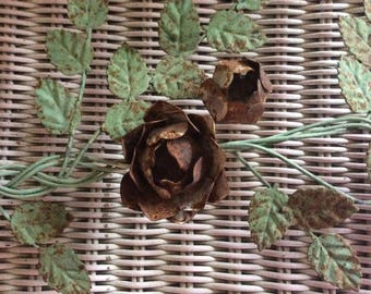 Vintage Metal Salvage, Roses and Leaves, 4 Roses, 29 Leaves, Rusted Patina