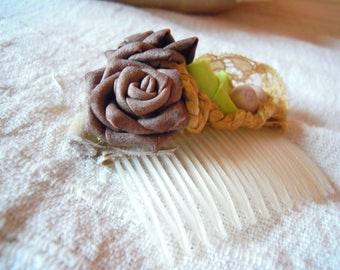 Comb with retro bun marriage, accessories hairstyle bun, lace, flower.