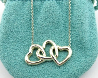 Authentic TIFFANY & CO Sterling Silver Triple Heart Pendant Necklace