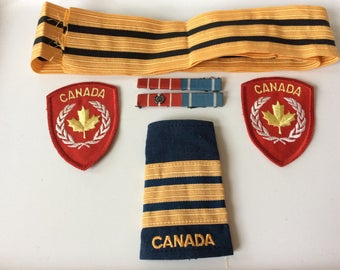 Canadian Army Pilot shoulder bar rank with ribbon braid and badges orders decoration NATO