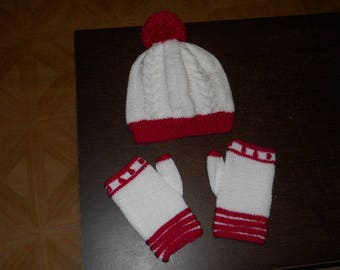 Hat and fancy stitch mittens set