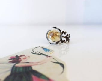 Xania-domed Ring with small wood floret