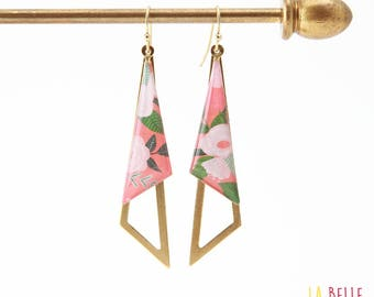 Coral floral resinees triangle earrings