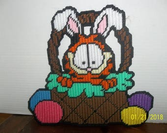 handmade plastic canvas happy easter garfield in basket wall hanging decor cute!