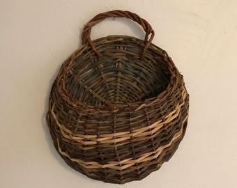 Vintage Wall Hanging Basket, Wall Pocket Basket, Hanging Flower Basket, Door Hanging Basket, Rustic Primitive Basket, Vintage Wicker Basket