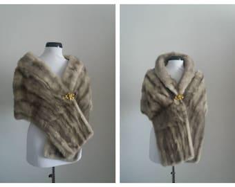 Vintage 1950s grey mink fur /  50s mink fur stole / silver mink cape, shawl