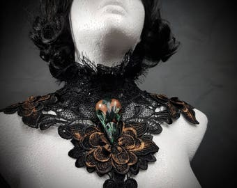 Patina Raven skull, pagan nature lace collar in bronze black-raven bird skull collar made of noble lace * Single piece