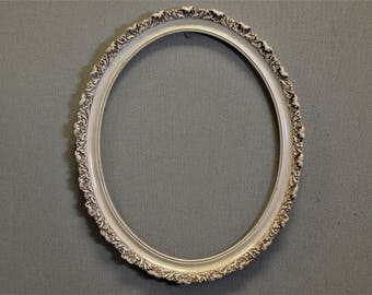 16x20 Oval White Ornate Picture Frame
