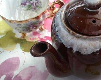 Vintage Tea Cups, Tea Pots, and Gift Baskets