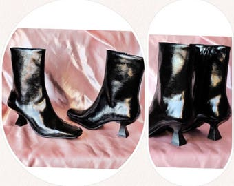 90s patent leather geometric heel side zip ankle boots booties womens shoes size 6 extra small 90s deadstock shoes witchy boots
