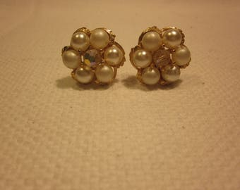 Lovely vintage pearl and rhinestone flower clip on earrings