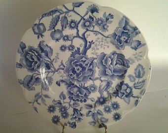 """Chippendale pattern by Johnson Brothers 10"""" plate"""