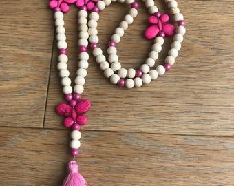 Bohemian necklace pearls and pink butterflies