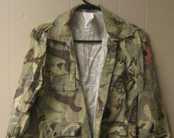ARMY SURPLUS Jacket with patch