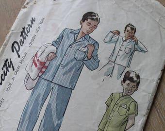 Simplicity 1970s Pajamas Pattern/ 8860/ Boys and Teen-Boys' Pajamas Pattern/ Craft Supplies & Tools/ Sewing/ Haberdashery (1727V)