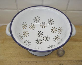 Vintage enamel colander, enamelware, white with blue rim. 1930s Kitchenalia retro cookware bakeware utensil cooking vegetable strainer