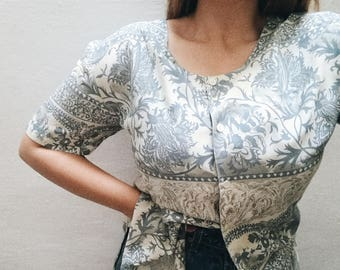 Vintage blouse//vintage print//vintage clothing//women's gift//calamity vintage//stamped//floral print//90s