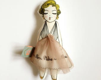 Marilyn doll embroidery collection